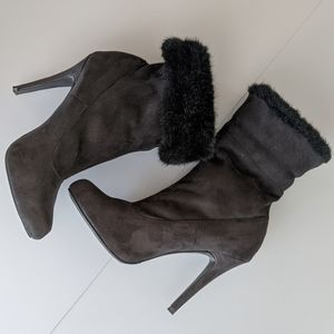 Kardashian Kollection Chicago ankle boots, sz 7